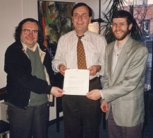 <b>Signing of the contract of assignment of the Généreux bath to the Écomusée du fier monde, with Michel Gendron, co-director, André Boulerice, elected member in Sainte-Marie – Saint-Jacques, and René Binette, co-director, 1995.</b> Écomusée du fier monde
