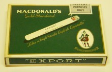 Paquet de cigarettes Export, vers 1950. Collection Macdonald Tobacco, Écomusée du fier monde