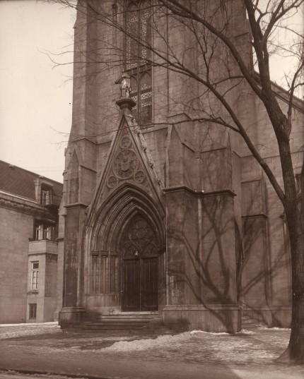 <strong><em>Saint-Pierre Apôtre church.</em></strong><br />Provincial archives of the Oblates of Mary Immaculate, Richelieu