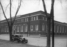 Bâtiment Sir Mortimer Davis Memorial, avenue Mont-Royal Ouest. Archives de la Ville de Montréal.