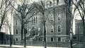 École Plessis : 2075, rue Plessis, vers 1910. Photo : Écomusée du fier monde