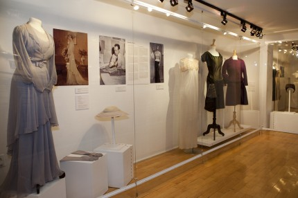 Exposition Griffé Québec, en collaboration avec le Musée du costume et du textile du Québec, 2009. Photo : Julie Landreville, Écomusée du fier monde