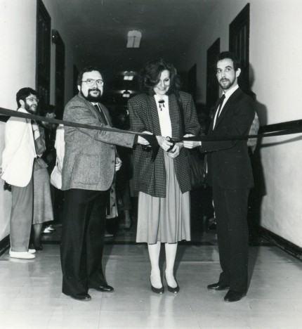 Inauguration of the first permanent exhibition in the presence of Michel Gendron, founding member of the Écomusée, Manon Forget, City of Montréal, and Michel Laporte, elected member in Sainte-Marie, 1987. Écomusée du fier monde