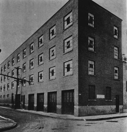 Usine de confitures et de marinades Raymond : 1345, avenue Lalonde, 1959. Photo : Écomusée du fier monde