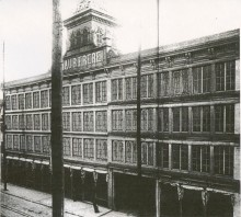 <b>Viau & Frère factory, Notre-Dame Street, circa 1900.</b> Viau collection, Écomusée du fier monde