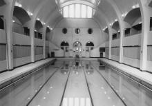 Piscine du bain Généreux, vers 1960. Photo : Archives de la Ville de Montréal, Écomusée du fier monde
