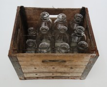 <b>Twelve-bottle wooden case, date unknown.</b> Montréal dairy heritage collection, Écomusée du fier monde