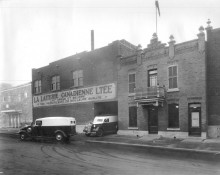 <b>The front of the Canadienne Dairy, Gaspe street, in 1938.</b> Montréal dairy heritage collection, Écomusée du fier monde