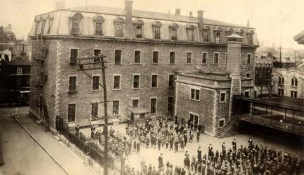 L'école Saint-Pierre, vers 1915. Archives des Frères Maristes du Canada