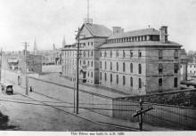 La prison au Pied-du-Courant, vers 1900. Archives de la Ville de Montréal