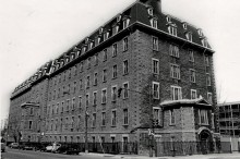 La Maison mère des Sœurs de la Providence, vers 1980. Écomusée du fier monde