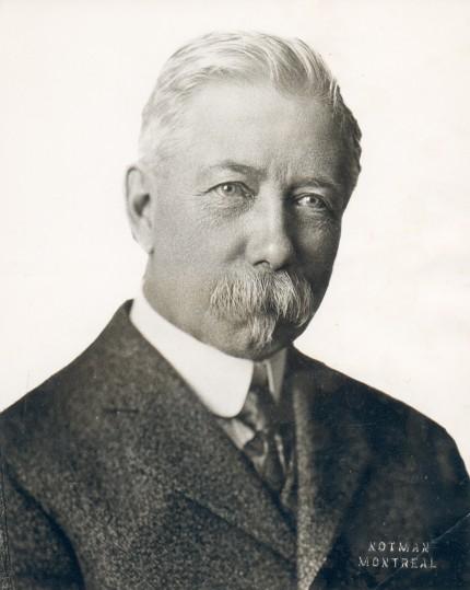 Joseph Venne, vers 1914. Photographie : Notman. Collection Michel Venne, Écomusée du fier monde