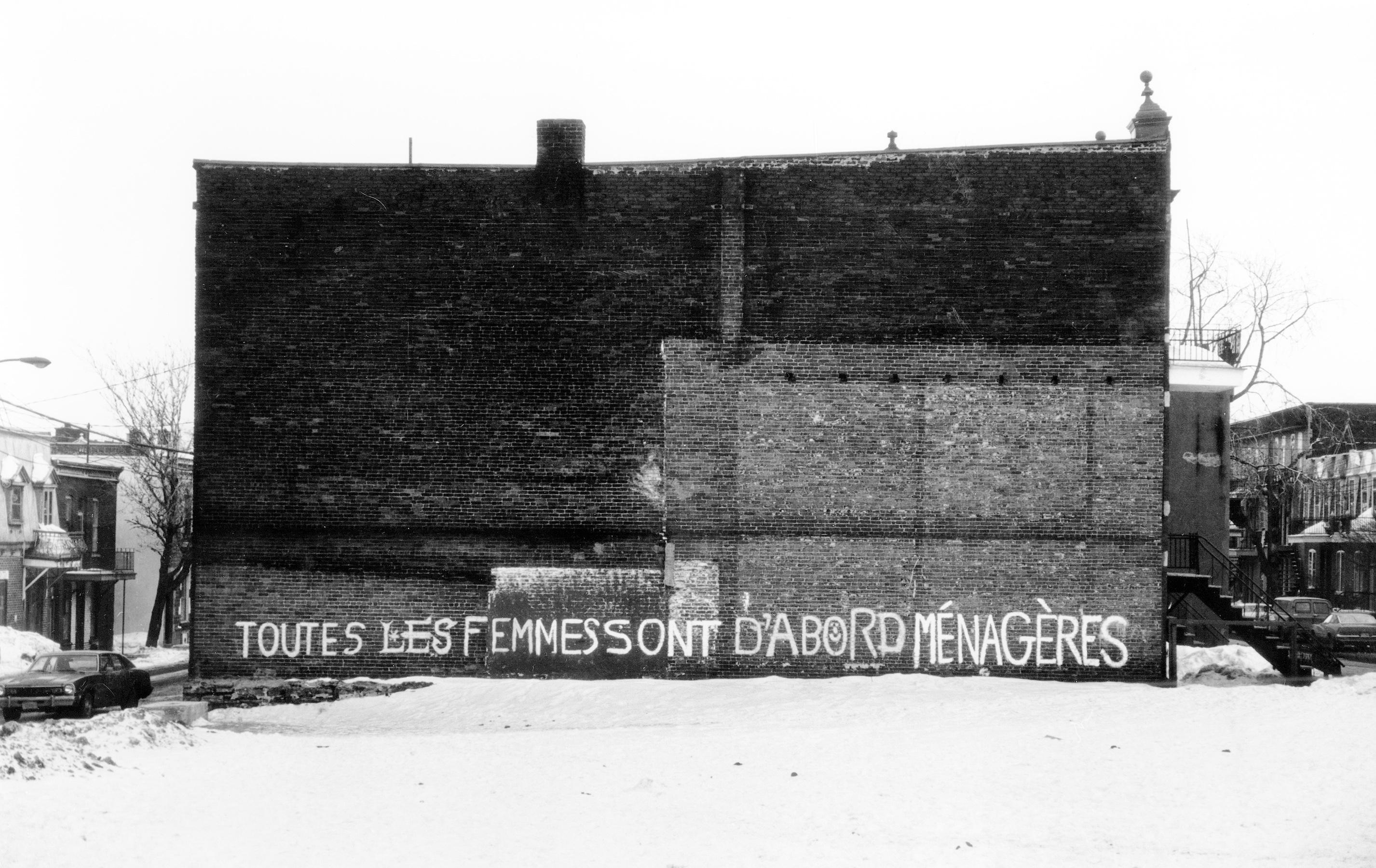 <b>Affiche « Toutes les femmes sont d'abord ménagères », à partir d'une photo de Raymonde Lamothe, 1978.</b> Remue-ménage