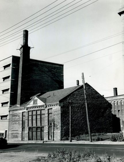 Craig Pumping Station Building, circa 1921 City of Montreal Archives