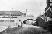 Une vue du viaduc de la rue Berri et de la gare Dalhousie à l'arrière, 1905