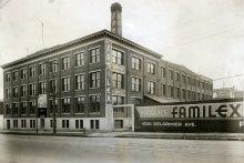L'usine Familex, sur l'avenue De Lorimier, vers 1950.
