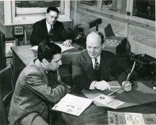 Formation de représentants Familex, vers 1953. Collection Parent, Écomusée du fier monde