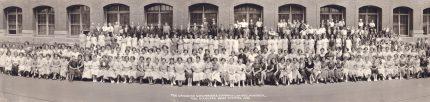 Photographie des travailleurs de l'usine Standard Shirt Co. , 1935. Écomusée du fier monde.