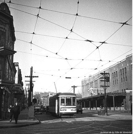Tramway sur la rue Amherst, vers 1937, Archives de la Ville de Montréal.
